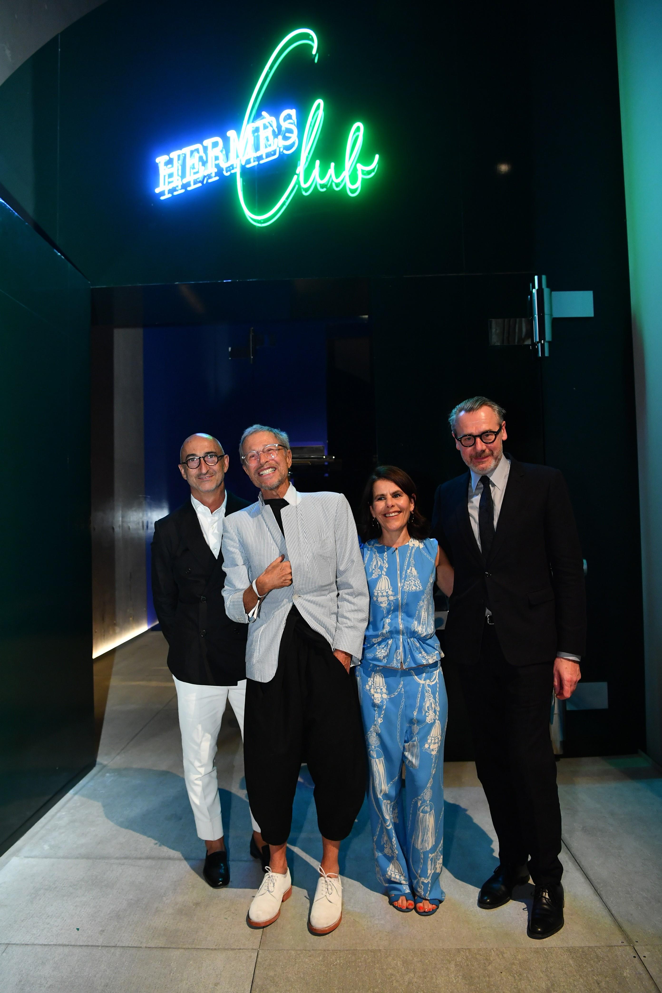 Từ trái sang: nhà thiết kế Pierre Hardy, nghệ sĩ Jean-Paul Goude, giám đốc nghệ thuật Bali Barret và nhà thiết kế bối cảnh Antoine Platteau.