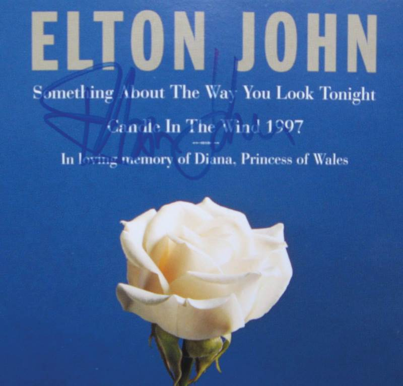 elton-john-hand-signed-candle-in-the-wind-1997-cd