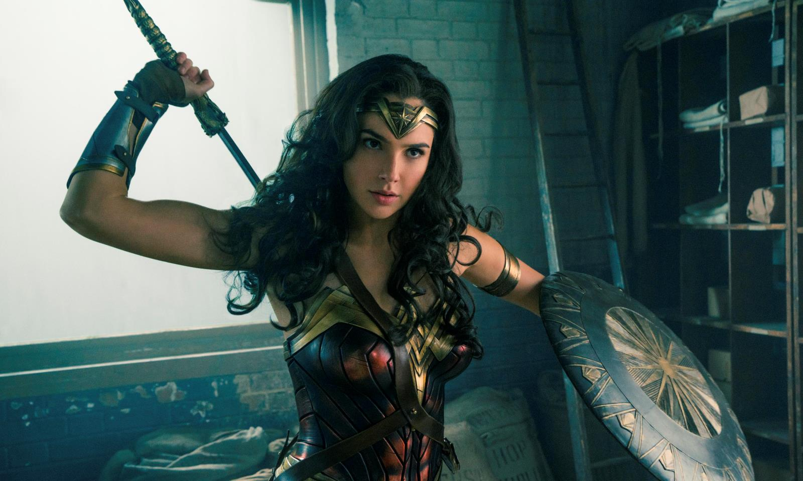 """4 bí quyết để có thân hình khỏe mạnh, nóng bỏng của """"Wonder Woman"""" Gal Gadot"""