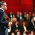 Nhà sản xuất bị tố rửa tiền, Leonardo DiCaprio trả tượng vàng Oscar