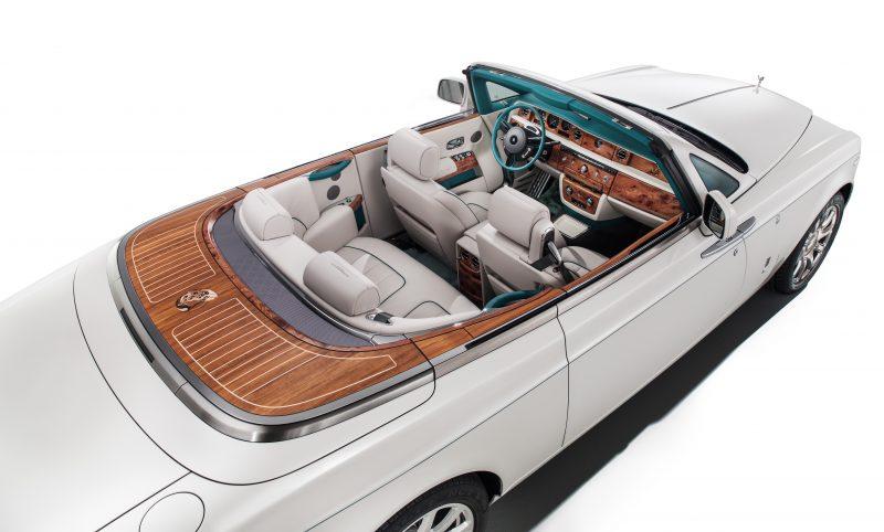 Lụa trên những chiếc xe siêu sang của Rolls-Royce và Maserati