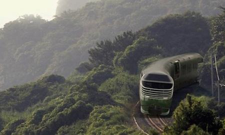 """""""Sống chậm"""" trên những chuyến tàu du lịch siêu sang tại Nhật Bản"""