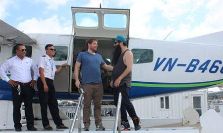 Đạo diễn phim Kong đưa đạo diễn phim Godzilla thăm Vịnh Hạ Long
