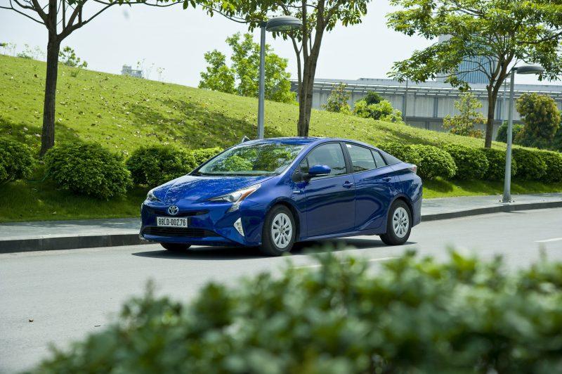 Toyota chuẩn bị bán xe hybrid Prius tại Việt Nam