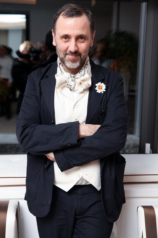 Chân dung Hervé Pierre,, nhà thiết kế thời trang kiêm stylist của Đệ nhất phu nhân Mỹ Melania Trump.