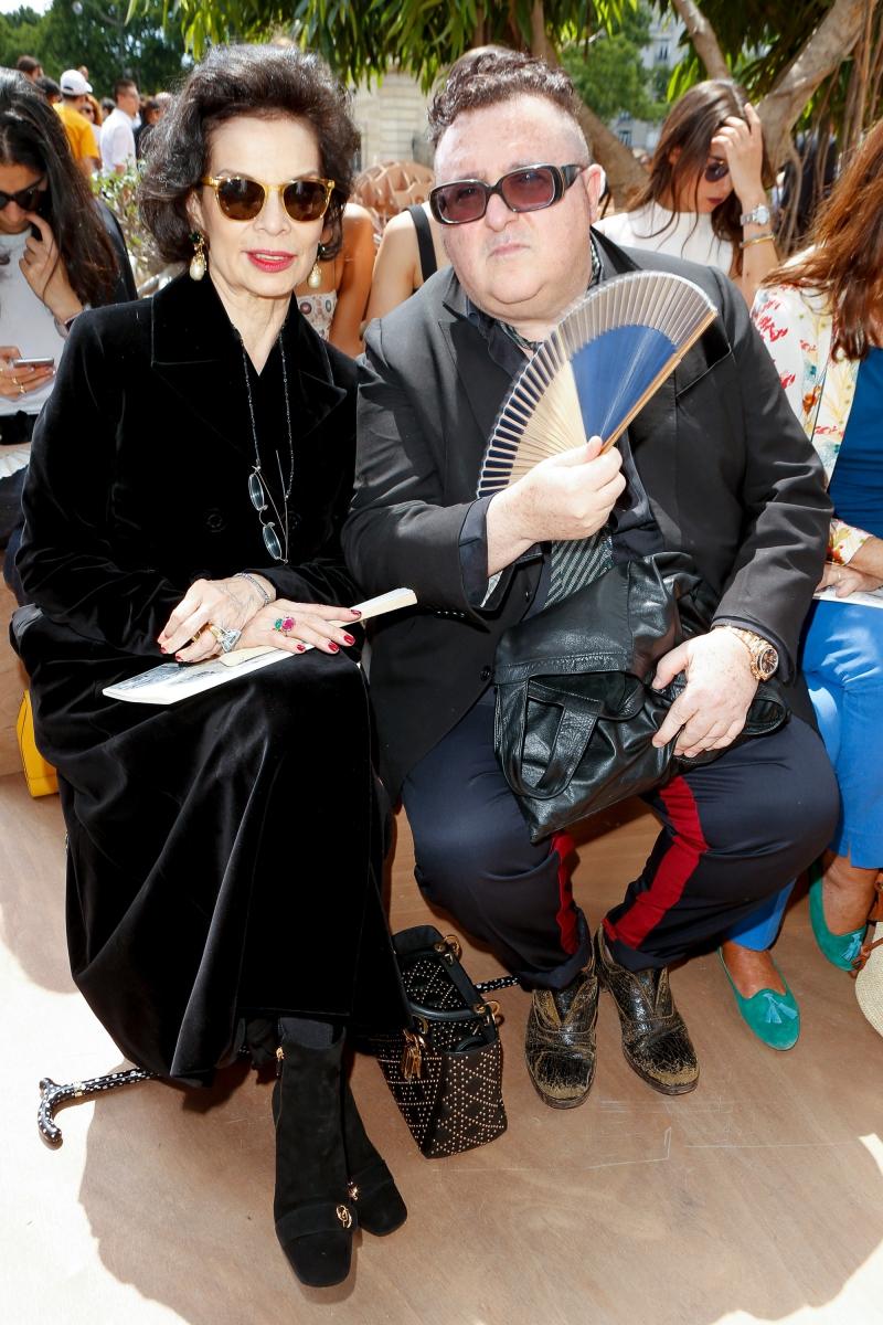 Bà Bianca Jagger (trái) và NTK Alber Elbaz (phải) - cựu Giám đốc Sáng tạo của Lanvin