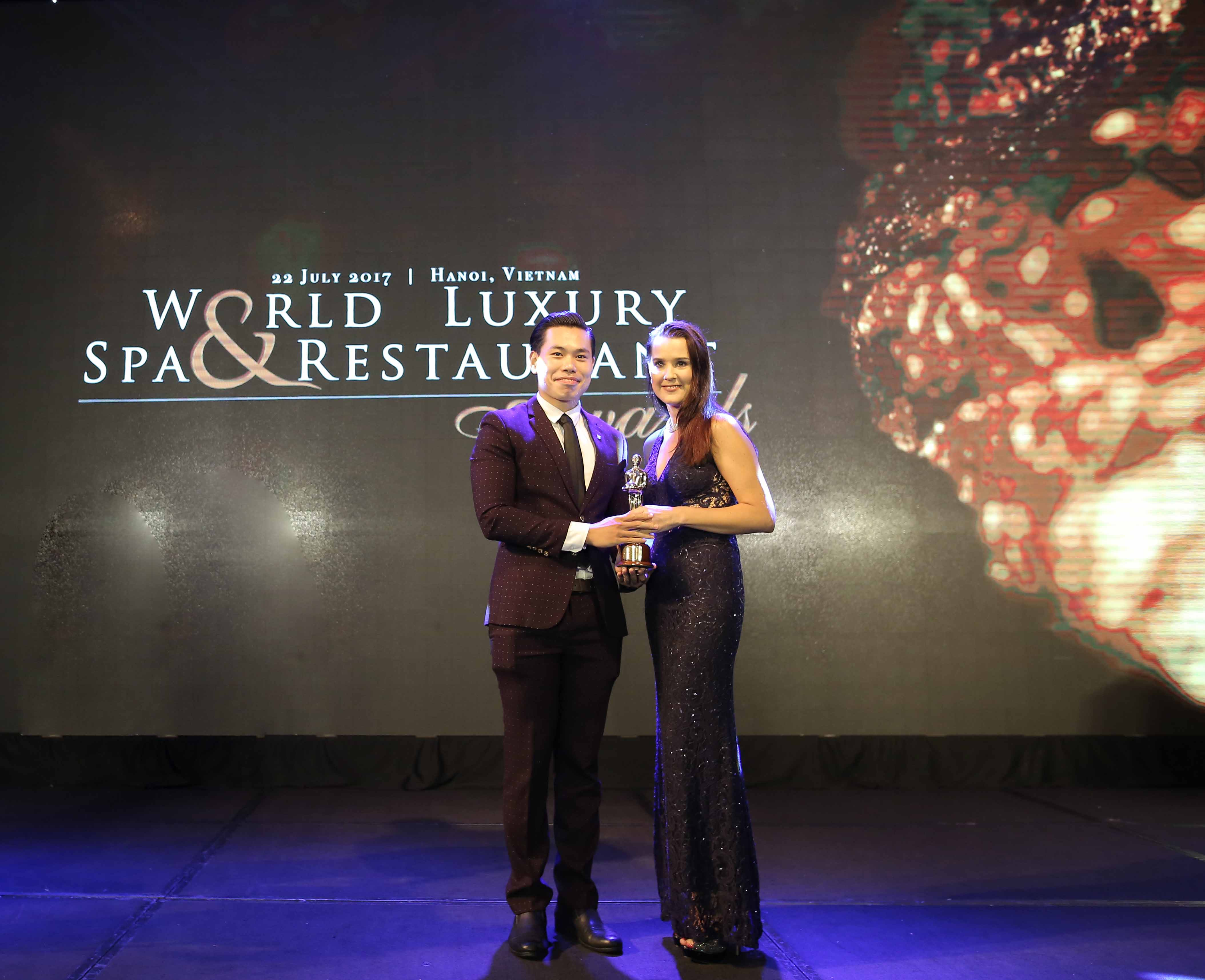 mr-vu-duc-linh-u-french-grill-assistant-restaurant-manager-honored-to-receive-the-award