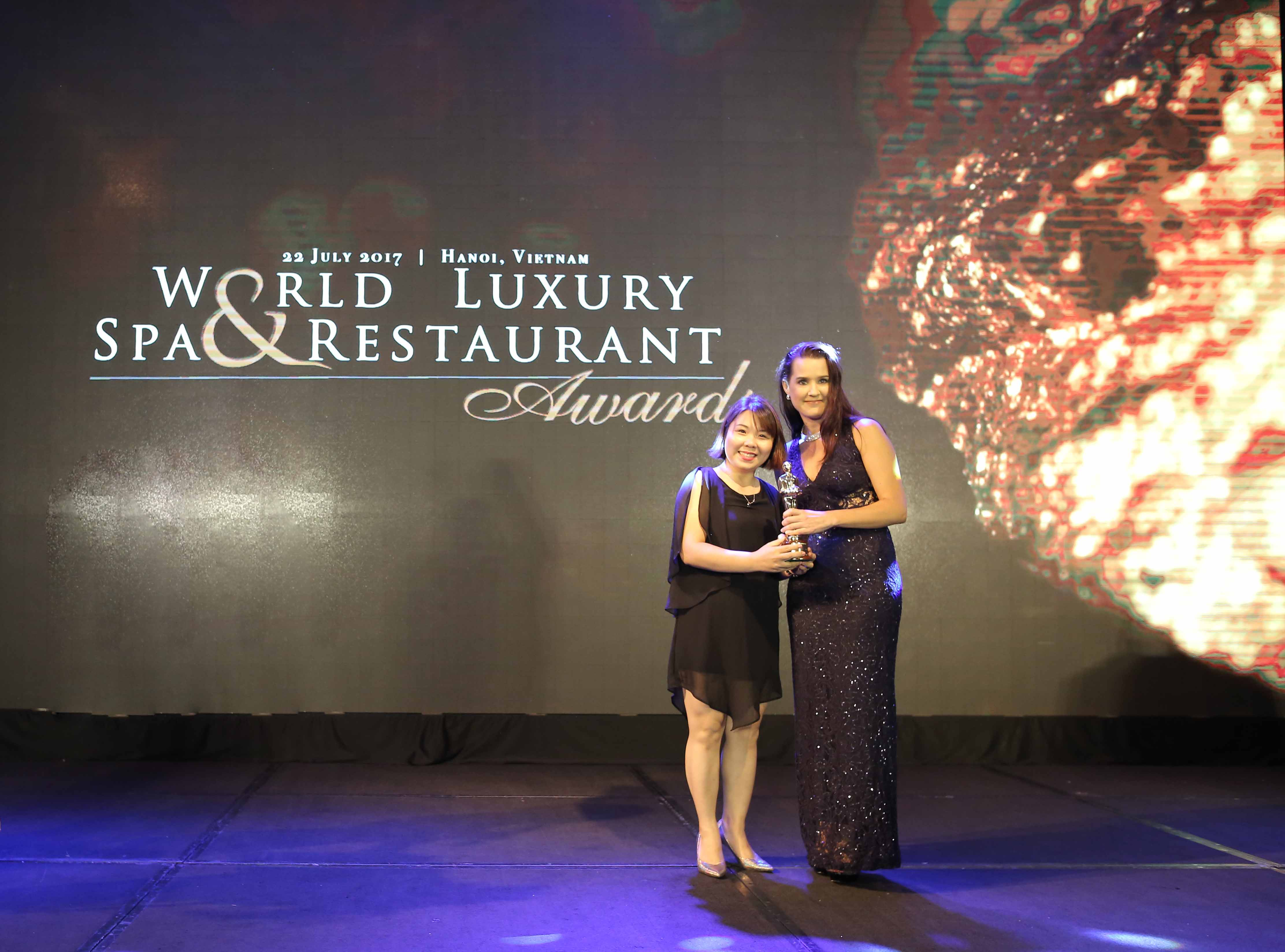 ms-dinh-thu-u-jw-caft-restaurant-manager-delighted-to-receive