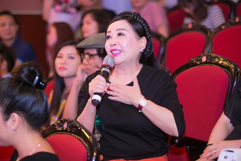 NSND Thu Hiền, giảng viên của Hồng Duyên tại Nhạc viện Hà Nội chia sẻ niềm vui khi nghe những ca khúc mới trong album của học trò.