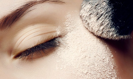 Phấn chống nắng: vừa bảo vệ da, vừa khô ráo và tiện lợi