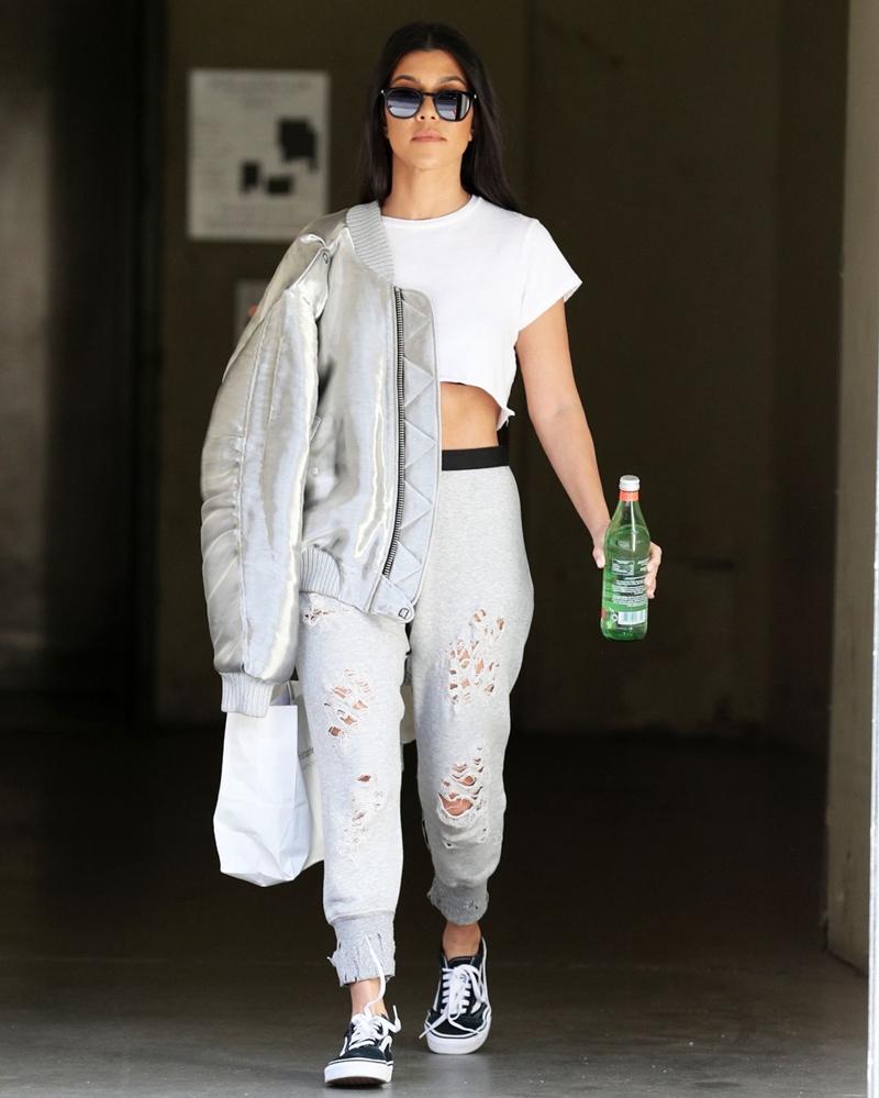 20172508_stylist_chi_em_nha_kardashian_deponline_20