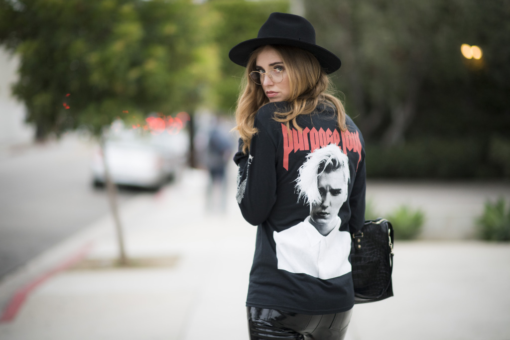 LOS ANGELES, CA - JUNE 11: Chiara Ferragni is wearing a black shirt from Justin Bieber a hat a black hat from lack of colors shoes from red highhells from Dior and a black bag from Balenciaga on June 11, 2016 in Los Angeles, California. (Photo by Timur Emek/Getty Images)