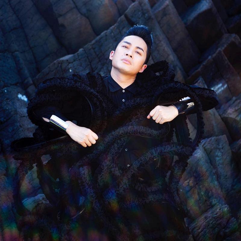 """Ca sĩ Tùng Dương chuẩn bị """"ghép"""" với 4 diva trong concert riêng mang tên """"Trời và đất""""."""