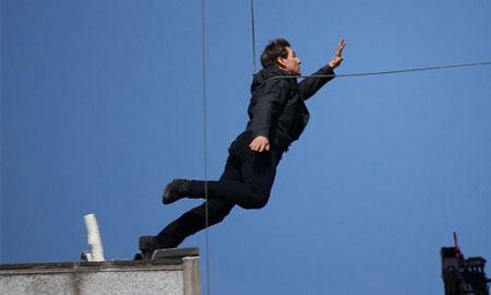 """Tom Cruise gãy 2 xương sườn khi quay phần mới """"Mission: Impossible"""""""