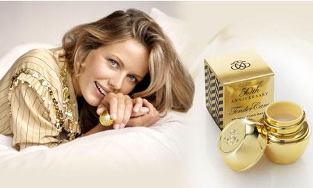 Kỳ niệm 50 năm thành lập, Oriflame ra mắt bộ sưu tập phiên bản vàng