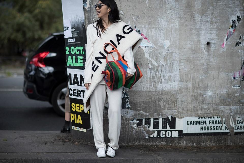 balenciaga-ss17-womens-street-style-02-960x640