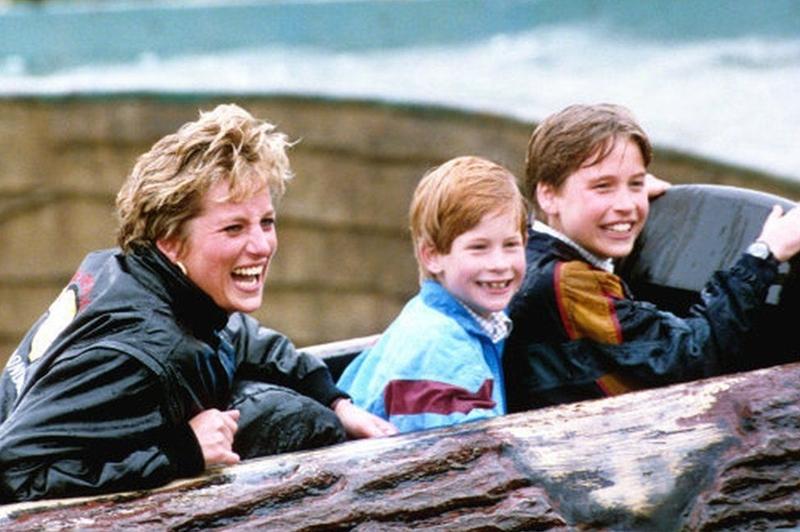 Diana được biết đến là một người mẹ chu đáo và hết mực yêu thương 2 con trai