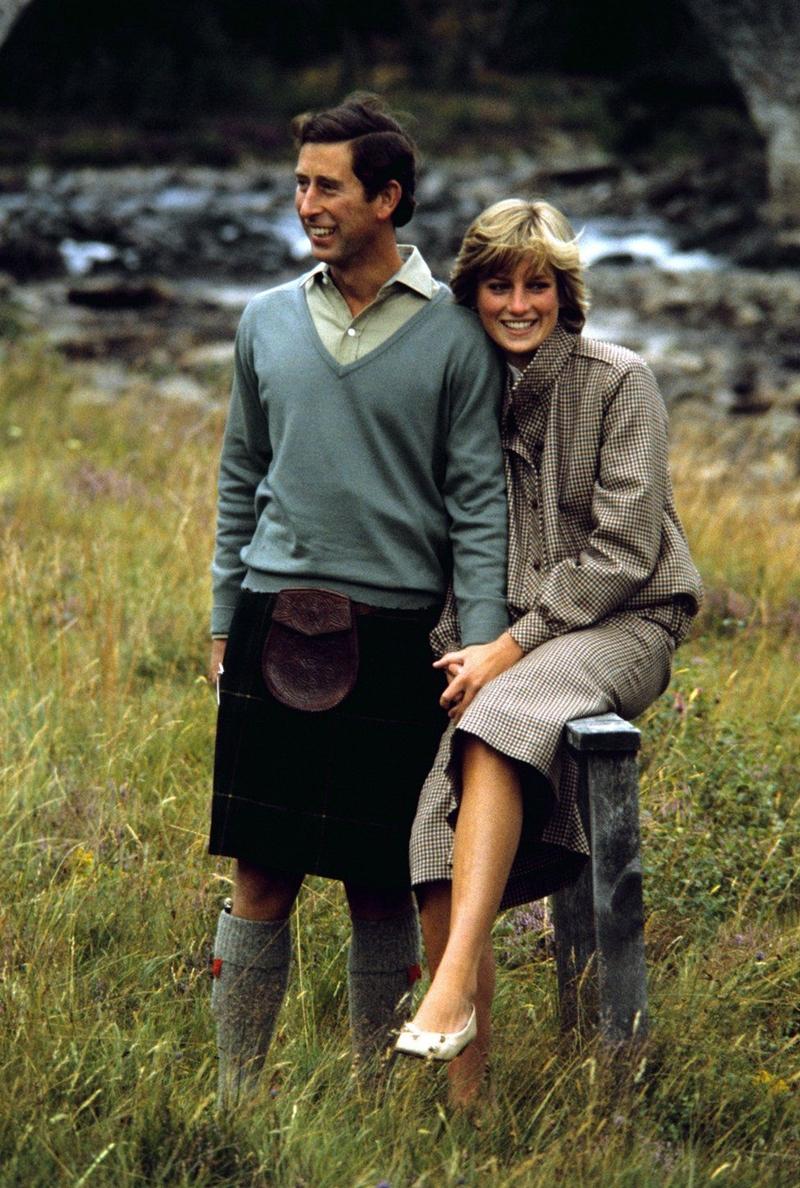 Charles và Diana dành tuần trăng mật của họ trên tàu Royal Yacht Britannia cho một chuyến đi 12 ngày qua Địa Trung Hải đến Ai Cập - và sau đó lưu lại tại lâu đài Balmoral Castle.