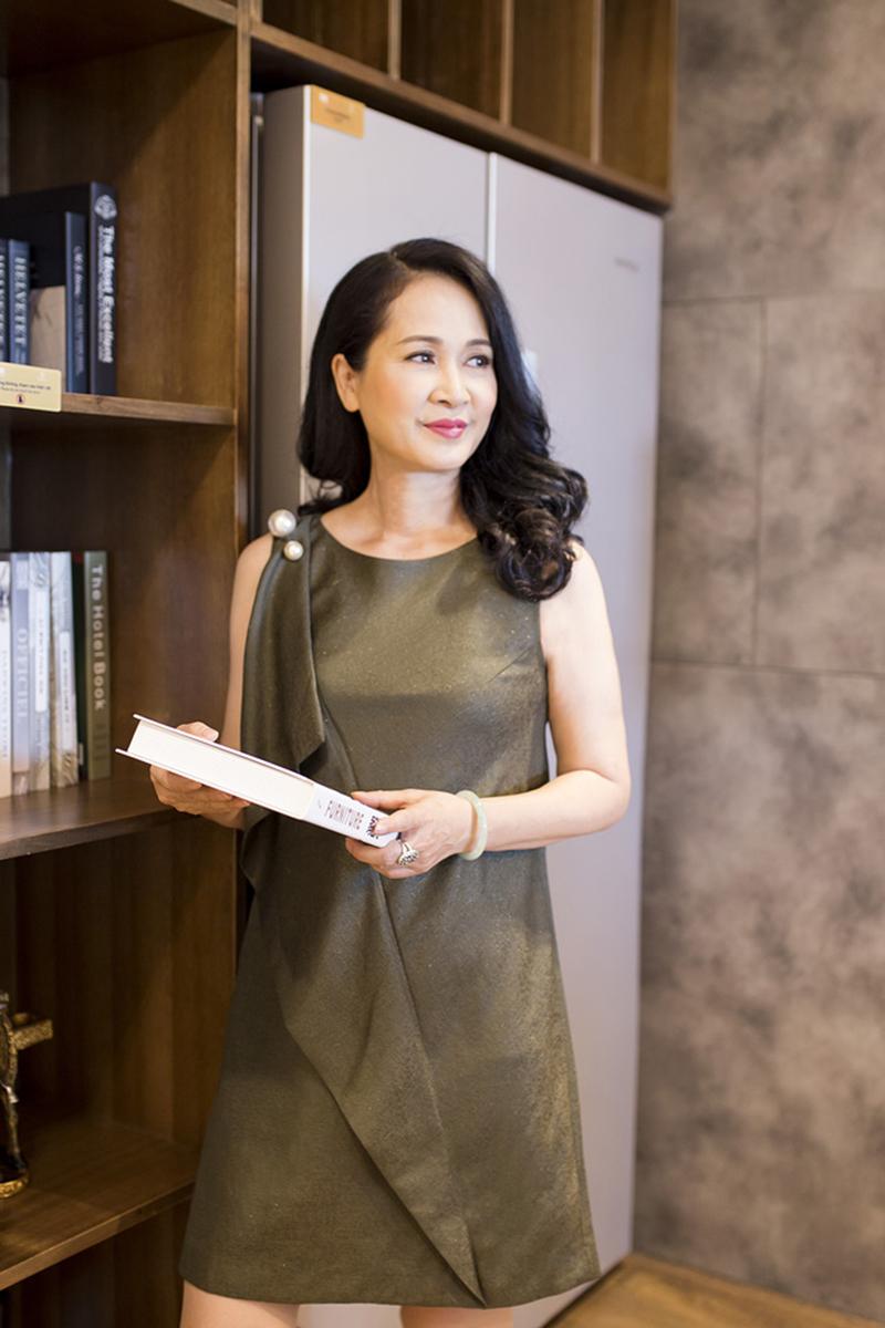 """NSND Lan Hương - người vừa gây tiếng vang với vai Mẹ chồng trong phim """"Sống chung với mẹ chồng""""."""