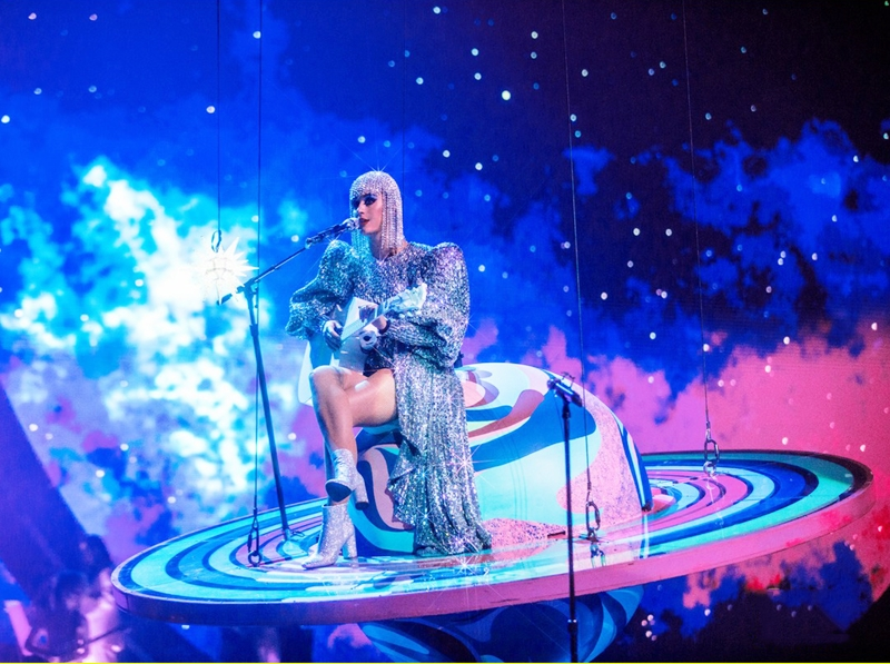 20172309_katy_perry_mac_do_ntk_cong_tri_deponline_02