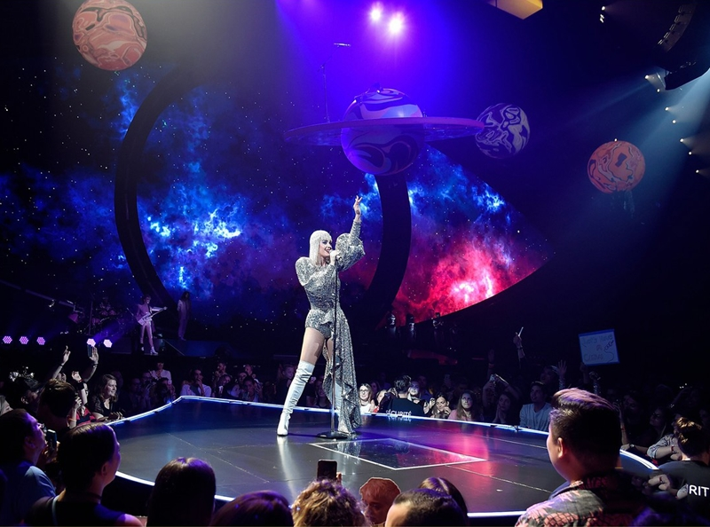 20172309_katy_perry_mac_do_ntk_cong_tri_deponline_03