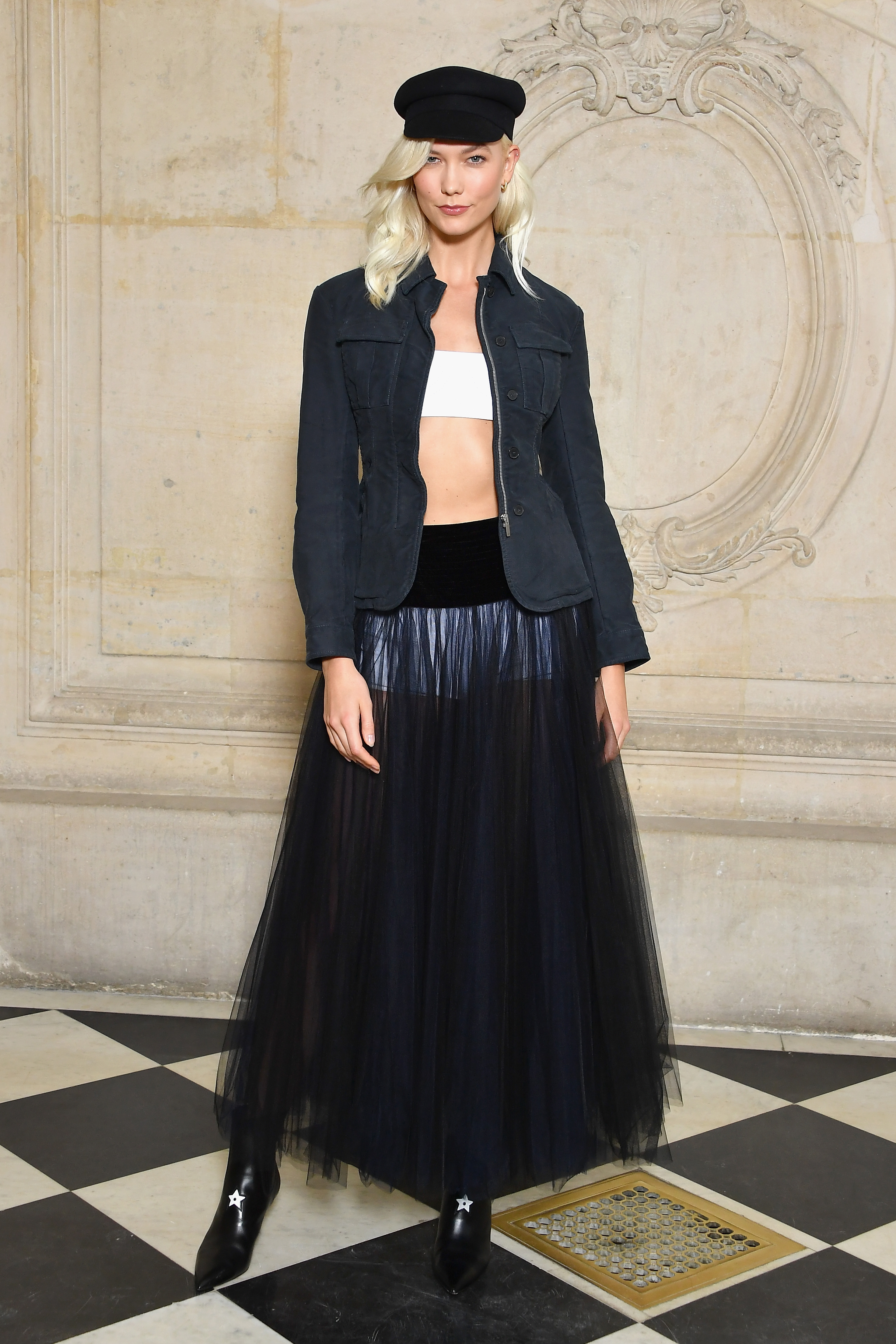 PARIS, FRANCE - SEPTEMBER 26: Karlie Kloss attends the Christian Dior show as part of the Paris Fashion Week Womenswear Spring/Summer 2018 on September 26, 2017 in Paris, France. (Photo by Pascal Le Segretain/Getty Images for Dior) *** Local Caption *** Karlie Kloss
