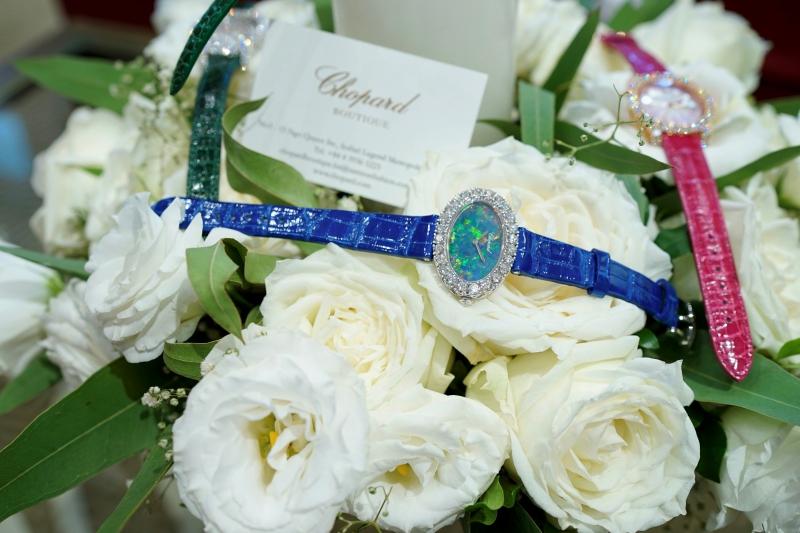Đồng hồ L'heure du Diamant được chế tác tinh xảo như những món trang sức cao cấp.