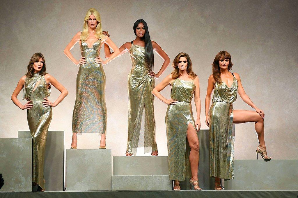 models-versace-runway-spring-2018