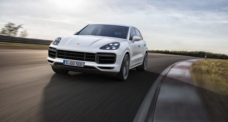 Porsche Cayenne Turbo mới về Việt Nam có giá từ 8,9 tỷ VND