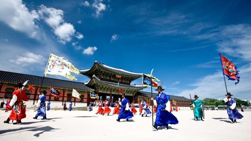 Du lịch Hàn Quốc, đâu chỉ ngắm hoa anh đào hay trượt tuyết