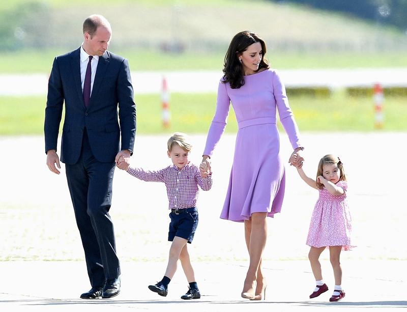 Cả gia đình hoàng tử William trong chuyến công du đến Đức