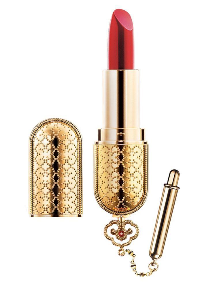 Son môi The History of Whoo Mi Luxury Lipstick có thiết kế vương giả và gam màu đỏ đậm đằm thắm
