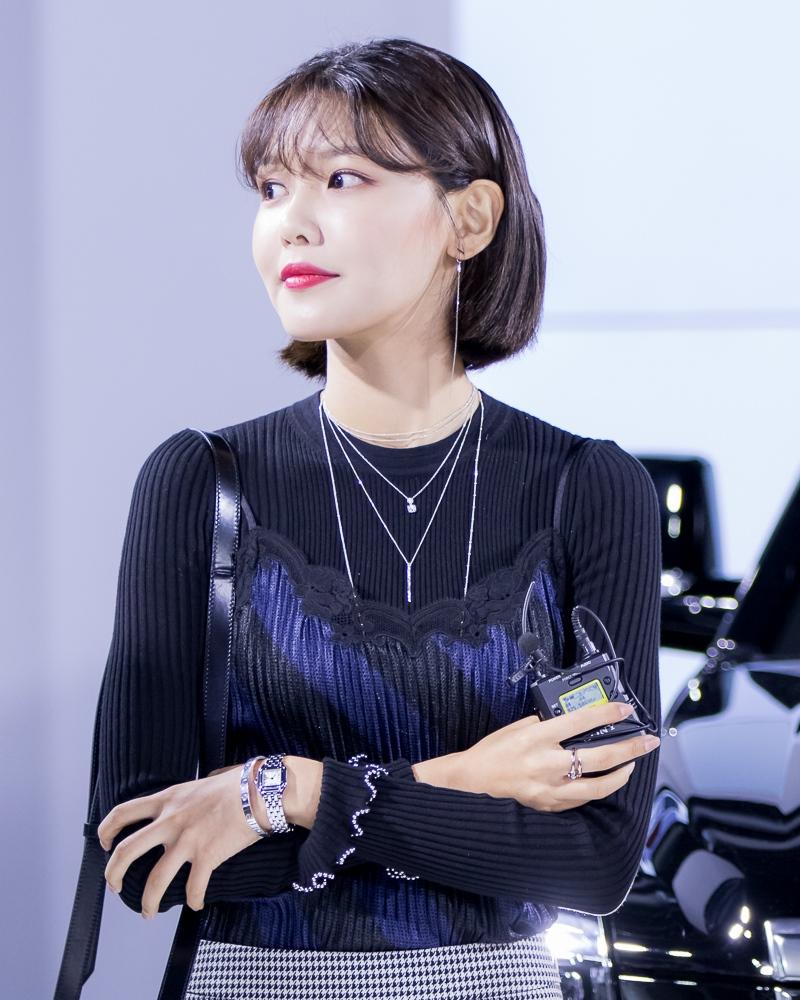 """Một thành viên khác của SNSD, SooYoung cũng đã cắt tóc ngắn giống các """"chị em"""" của mình."""