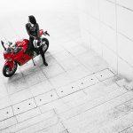 Ngắm người mẫu Trần Hiền đầy đam mê bên cạnh Ducati SuperSport mới