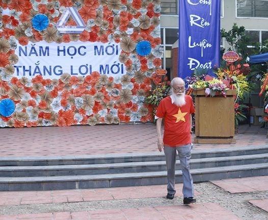 van_nhu_cuong_tung_lam1