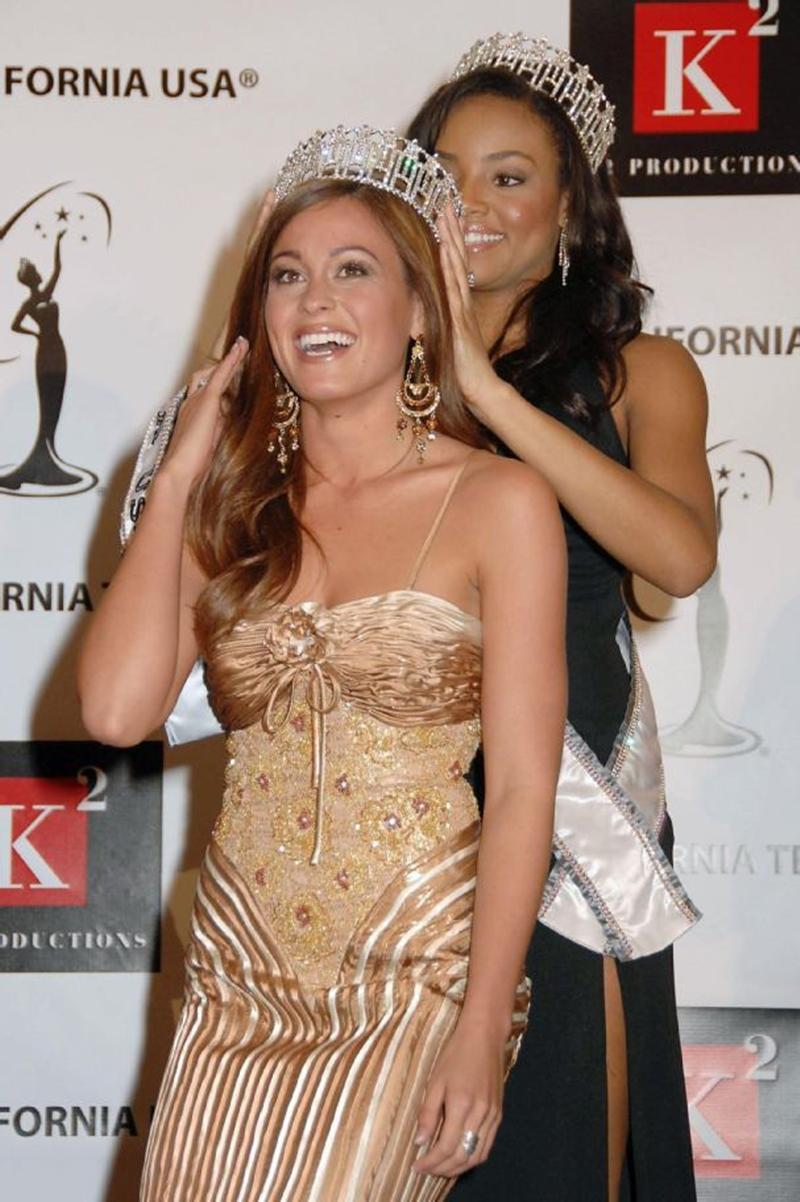 Theo kết quả mới này, Hoa hậu California phải là người đẹp Barstow Raquel Beezley, một nữ phục vụ bàn 21 tuổi.