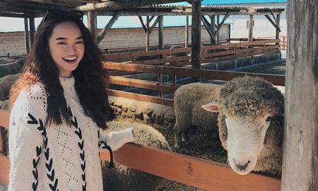 """Sau """"Em chưa 18"""", Kaity Nguyễntrở thành host một loạt chương trình làm đẹp, du lịch, ẩm thực của đài truyền hình Arirang – Hàn Quốc"""