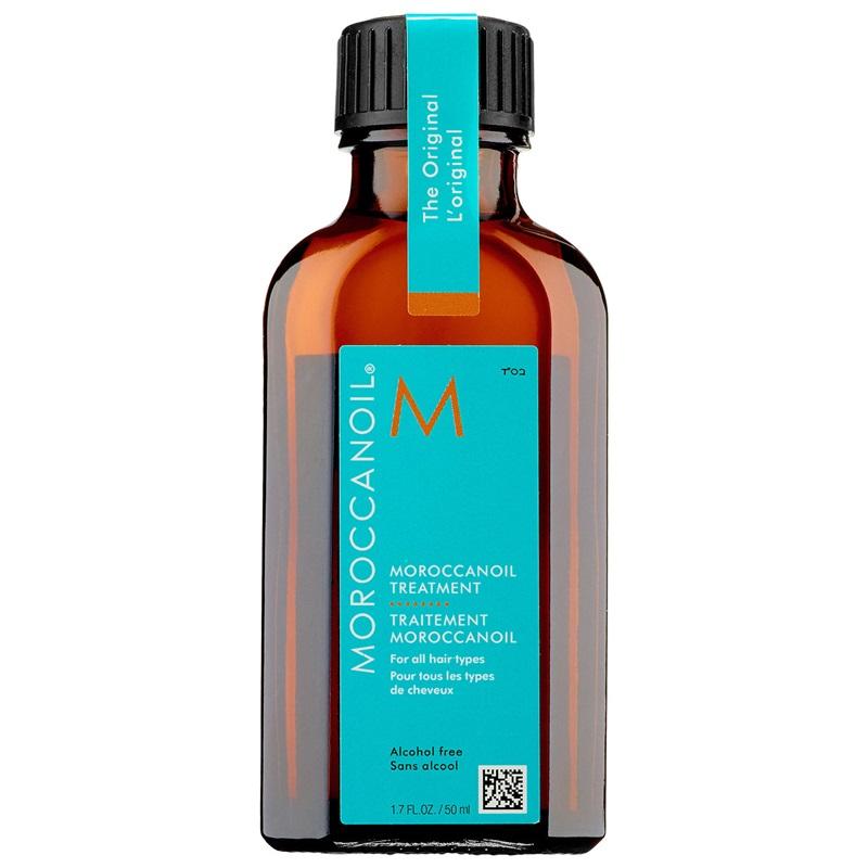 Dầu dưỡng Moroccanoil Treatment cung cấp độ ẩm, bảo vệ tóc trước nhiệt và giúp tóc vào nếp tốt hơn. Giá: 860.000VND