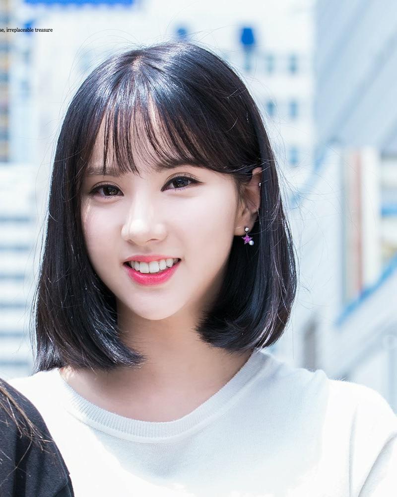 Thành viên Eunha của nhóm nhạc Gfriend...