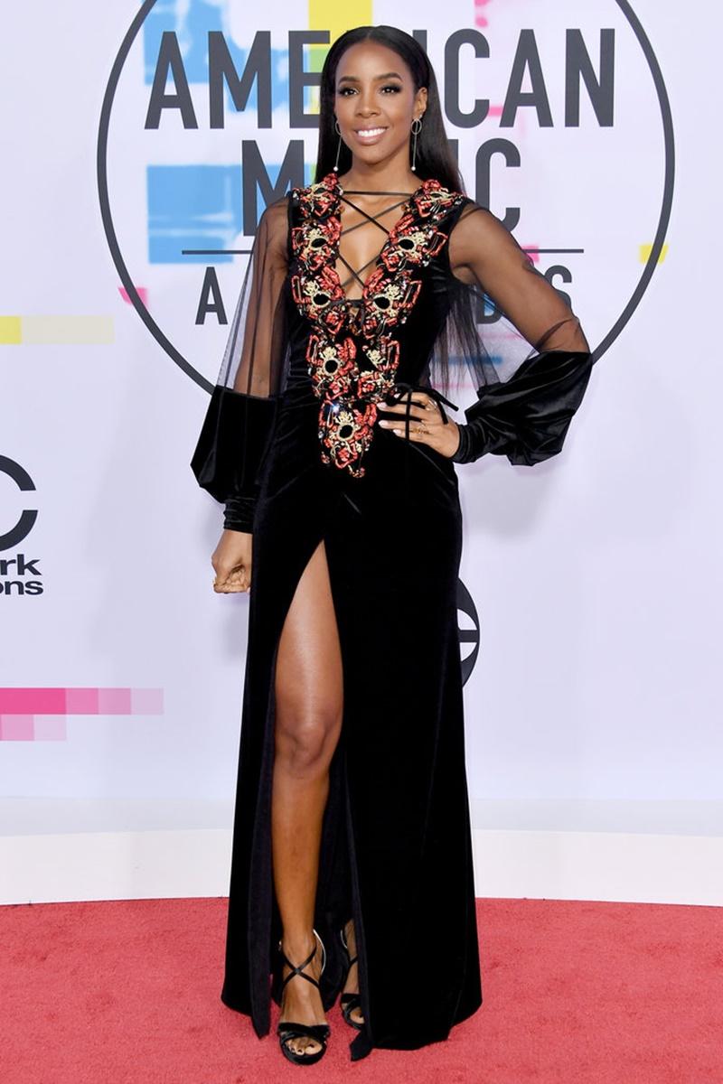 Kelly Rowland trẻ trung và gợi cảm trong thiết kế đầm nhung phối tulle và những chi tiết trang trí tinh tế của  Galia Lahav.