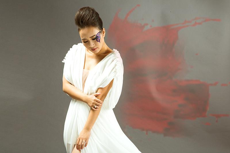 Khánh Linh trở lại với phong cách âm nhạc hoàn toàn mới, so với chính cô trước đó.
