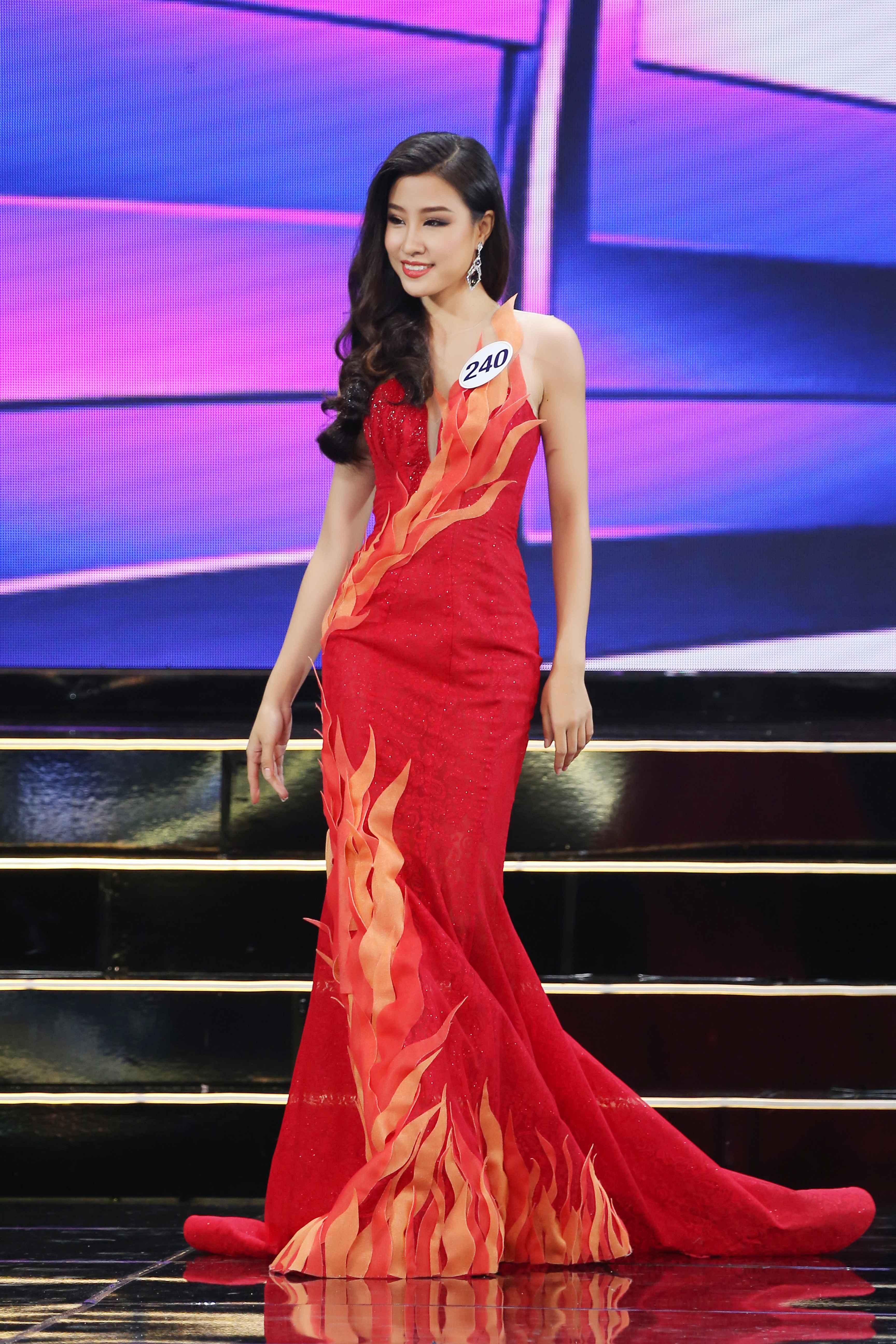 nguyen-phuong-hoa-240