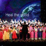 """""""Vui ca – Sing for Joy"""" – kể câu chuyện hi vọng của 350 nghệ sĩ"""