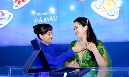 Đến Hội chợ Quốc tế Trang sức Việt Nam 2017 – Mua vàng trúng vàng
