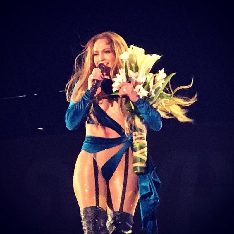 """Ở độ tuổi U50, Jennifer Lopez vẫn chưa có dấu hiệu """"xuống sức"""". Cô vẫn luôn là hình ảnh phụ nữ đáng ngưỡng mộ của mọi người ở bất kỳ nơi đâu trên thế giới."""
