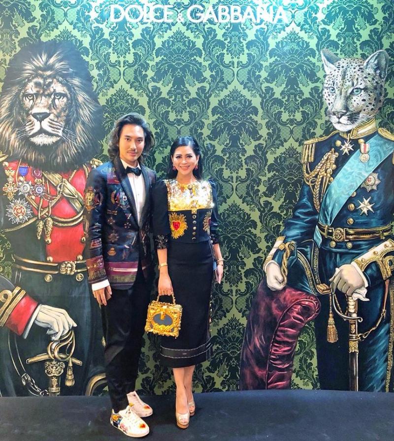 NTK Lý Quí Khánh mặc suit phối cùng giày sneakers của Dolce & Gabbana