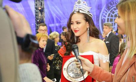 Đại diện của Việt Nam – Khánh Ngân vượt qua 61 nhan sắc quốc tế đăng quang Miss Globe 2017