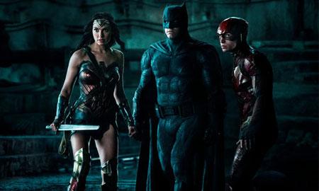 "Giới phê bình hết lời khen bom tấn 300 triệu USD ""Justice League"""