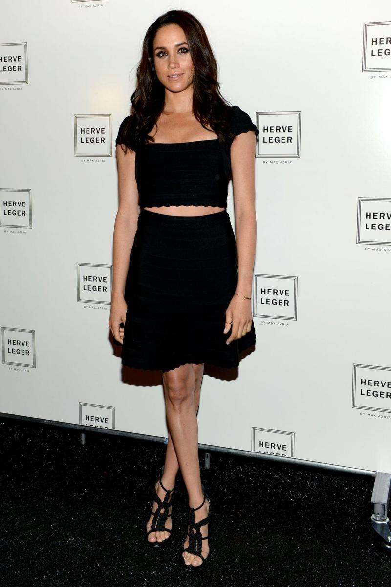 Phong cách của cô mang đậm dấu ấn Mỹ bởi sự thanh lịch, trẻ trung và hiện đại mà vẫn tuyệt đối nữ tính. Trong hình cô mặc đầm Herve Leger By Max Azria tại show diễn của thương hiệu trong khuôn khổ Tuần lễ Thời trang New York
