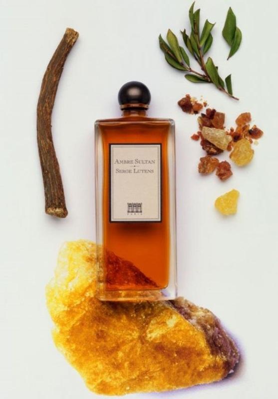 Serge Lutans - Ambre Sunltan: hương nước hoa phương Đông có nốt hổ phách, cùng với các hương thảo mộc như ngò thơm, nguyệt quế, hoắc hương... Giá: 150$ cho 50ml (khoảng 3.300.000VND)
